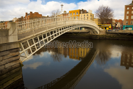 hapenny bridge over the river liffey