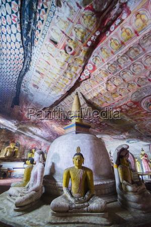tempel hoehle asien vorderansicht fotografie photo