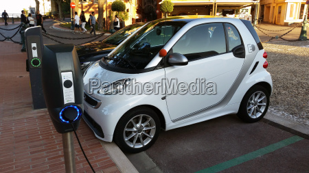 smart fortwo electric car lade on