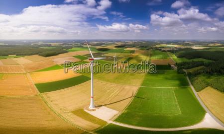 windkraft bei gutem wetter aus der