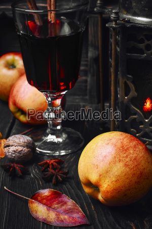 cocktail sangria with apple