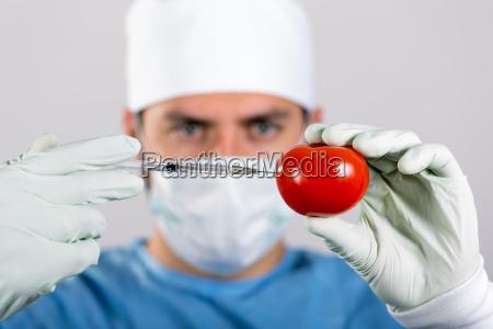 gvo konzept wissenschaftler machen injektion