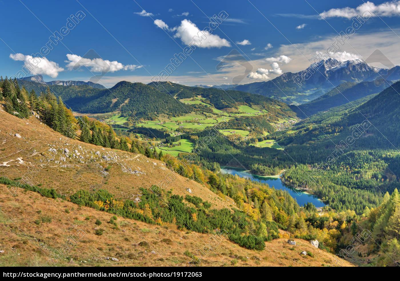 natur wasser urlaub landschaft see herbst berge berg - Lizenzfreies ...
