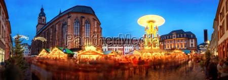 weihnachtsmarkt in heidelberg marktplatz panorama mit