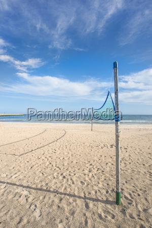 beach volleyball feld am strand der