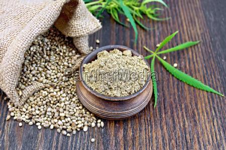 flour hemp in bowl with grain