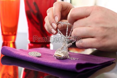 jeweler repair chain
