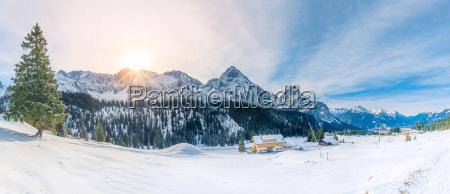 schneepanorama in den alpen
