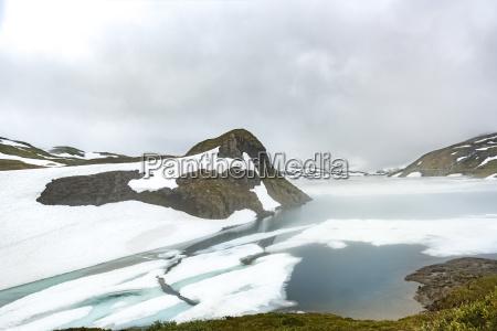 fahrt reisen kalt kaelte wolke norwegen