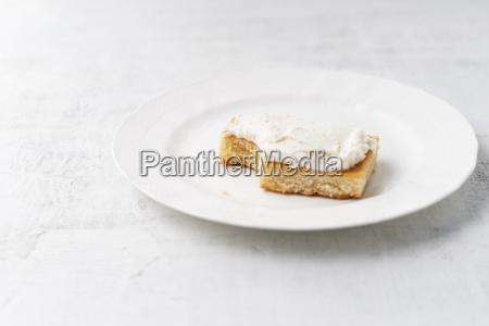 lemon cake with curd cream on
