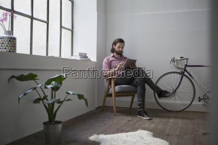 sessel lehnstuhl menschen leute personen mensch
