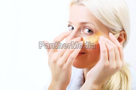 goldmaske hautpflege um die augen
