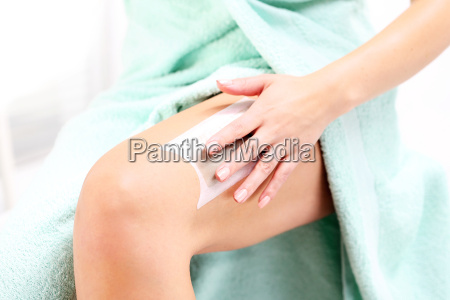 zunehmender waben mit wachs depilaci beine