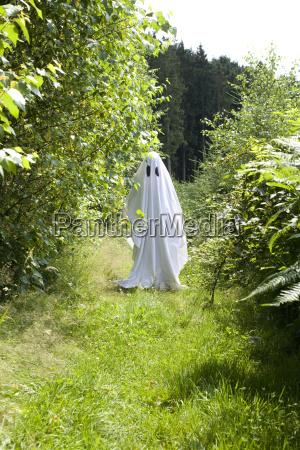 baum anonym geist spuk gespenst halloween