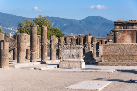 town center of pompeii ancient city
