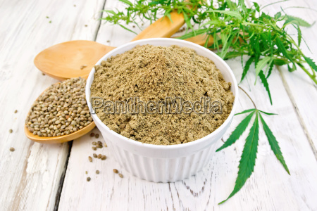 flour hemp in bowl with spoons