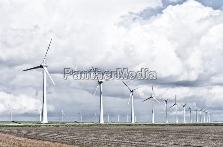 windenergieanlagen landschaft