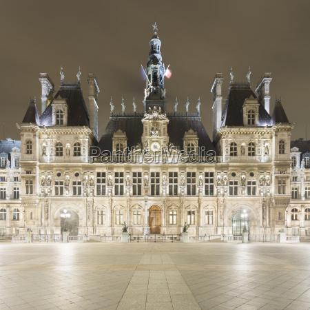 view of hotel de ville at