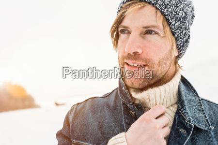 winter maennlich mannhaft maskulin viril portrait