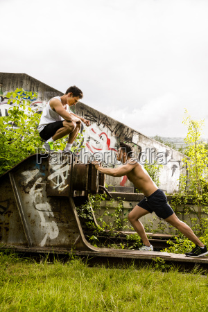 personal trainers doing outdoor training in