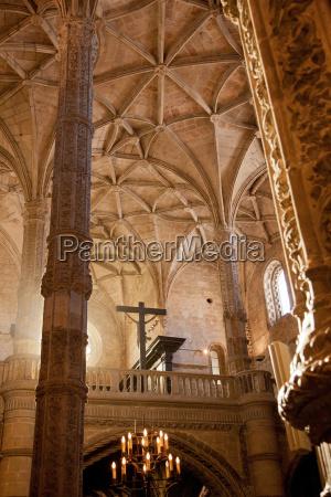 inside the church at jeronimos monastery