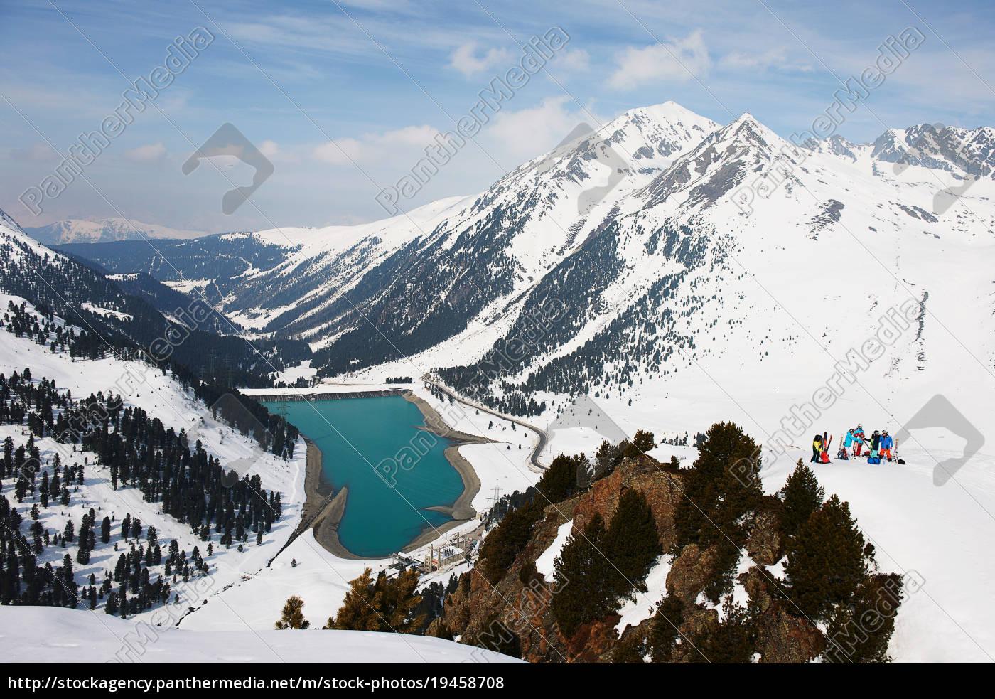 skifahrer, in, der, berg-, und, seenlandschaft, kühtai, österreich - 19458708