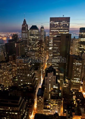 fahrt reisen bauten stadt nacht nachtzeit