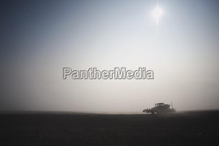 landwirtschaft ackerbau feld sonnenlicht weitwinkel transport