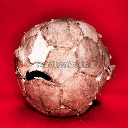 abgenutzter fussball