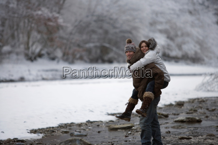 couple, walking, in, the, snow. - 19465546