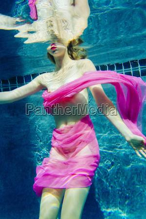 frau, drapiert, in, stoff, schwimmen, halbnackt - 19479342