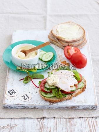 sandwich with turkey and tomatoes
