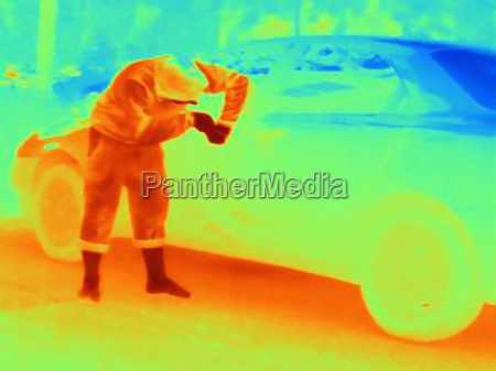 thermal photograph of a burglar breaking