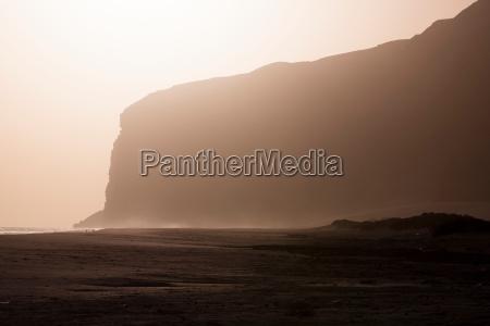 cliffs at sunset at qaarah socotra