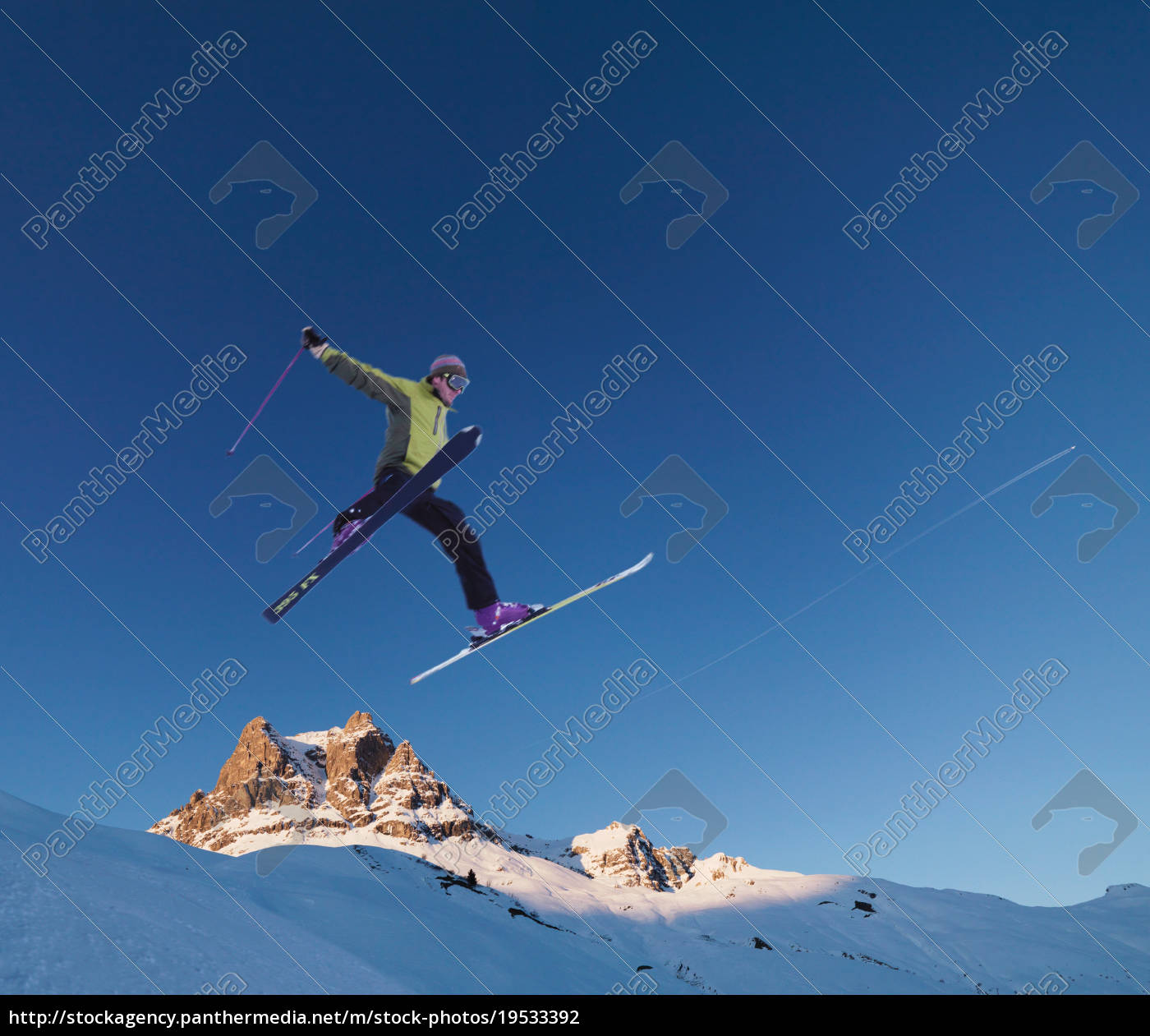 skier, jumping, across, skyline - 19533392