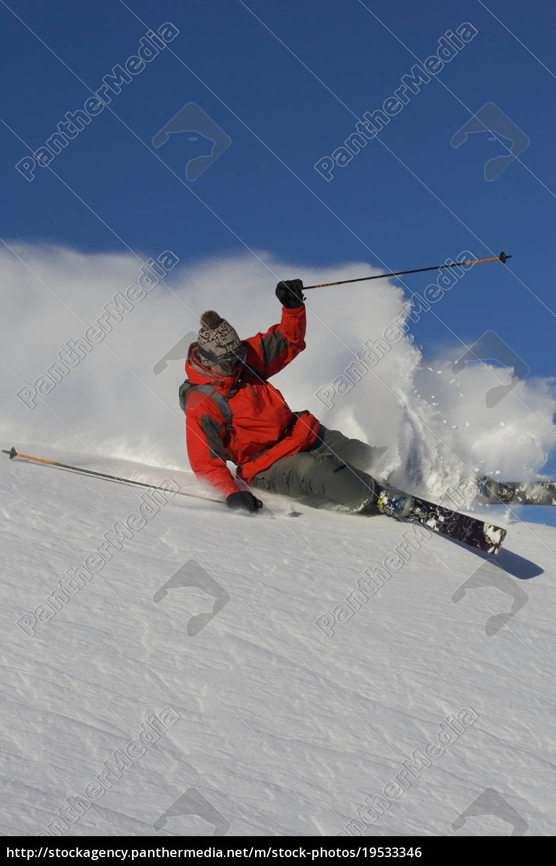 skifahrer, der, die, piste, abbiegt. - 19533346