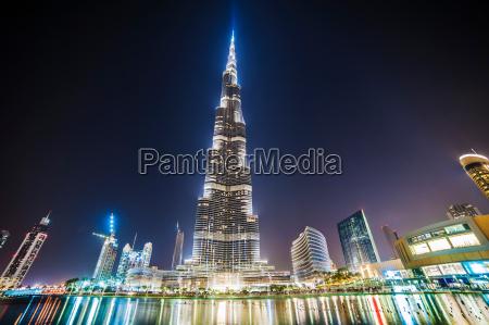 burj khalifa in night dubai vae