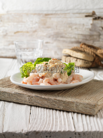 prawn and crabmeat cocktail with little