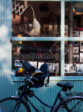 belleville street scene paris france