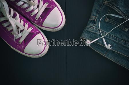 sport space schuhe hose weltraum jeans