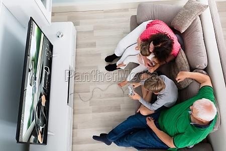 geniessen sie multi generation familie spielen