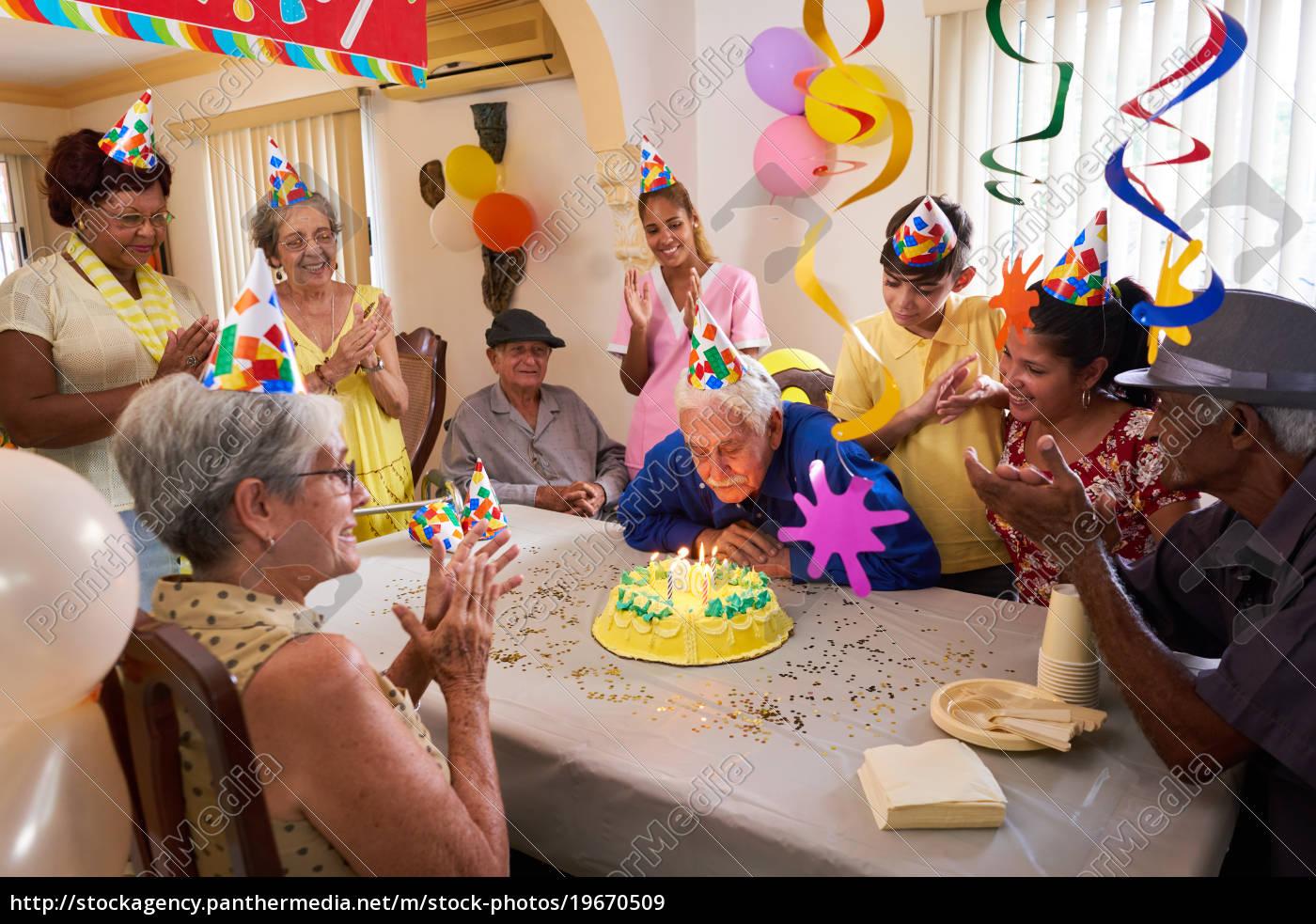 familientreffen, für, geburtstagsfeier, feier, in, altenheim - 19670509