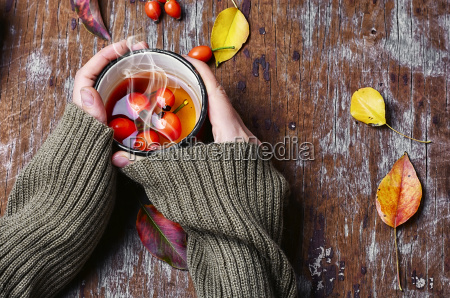 hot tea with berries rose hips