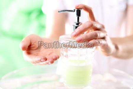 schoene gepflegte haende skincare taegliche hygiene