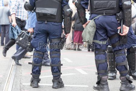 polizeibeamte im dienst anti terrorismus