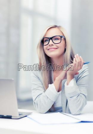 geschaeftsfrau auf einer sitzung