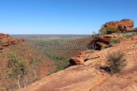 viewpoint at kings canyon in australia