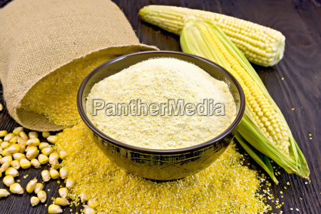 flour corn in bowl with bag