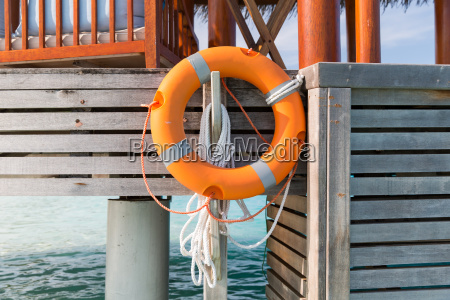 rettungsring am strand terrasse oder terrasse
