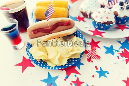 essen und getraenke an amerikanischer unabhaengigkeitstag